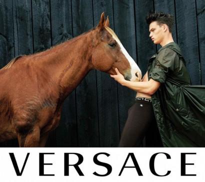 Versace-2017-Spring-Summer-Mens-Campaign-004.jpg