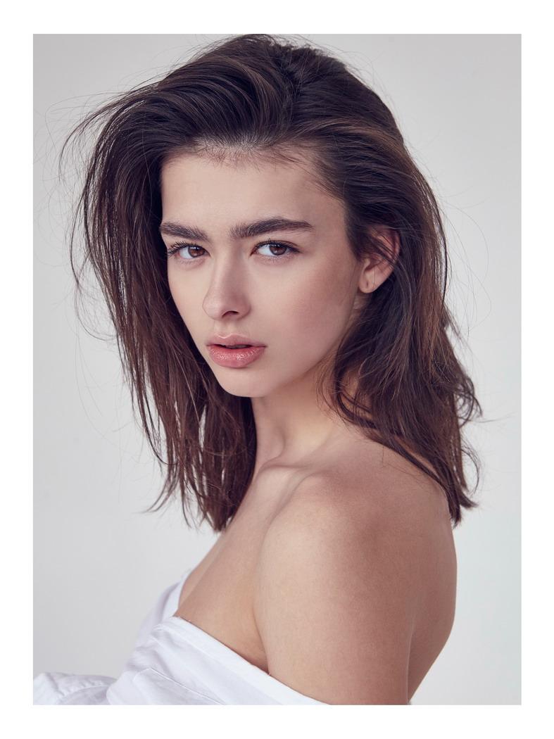 rebeka-v-004-1.jpg